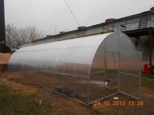 Теплицы из поликарбоната шириной 4м !!! Оц.труба 25х25х1.5мм.