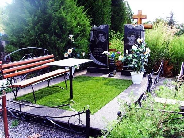 Благоустройство могил и установка памятника  Солигорск 2